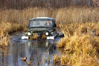 Вода не является большим препятствием для вездехода Ухтыш